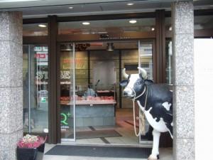 大聖堂付近のお肉屋さん入り口